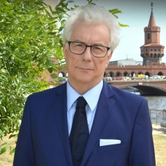 ken follett.jpeg