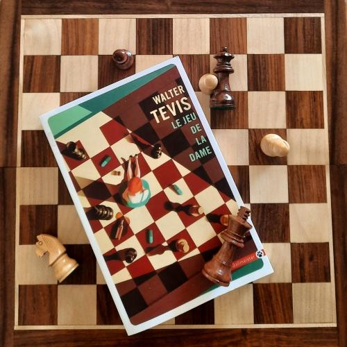 le jeu de la dame, walter tevis, the queen's gambit, jacques mailhos, éditions gallmeister, littérature américaine, roman américain, jeu d'échecs, beth harmon, roman d'apprentissage